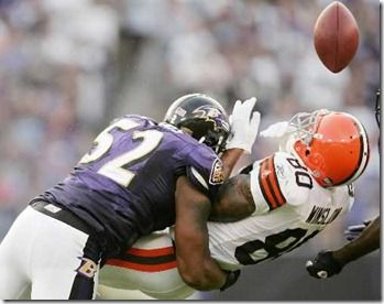 Ray Lewis Tackling